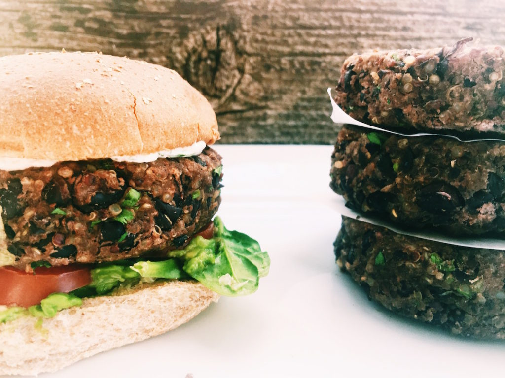 southwestern black bean burgers | displacedhousewife