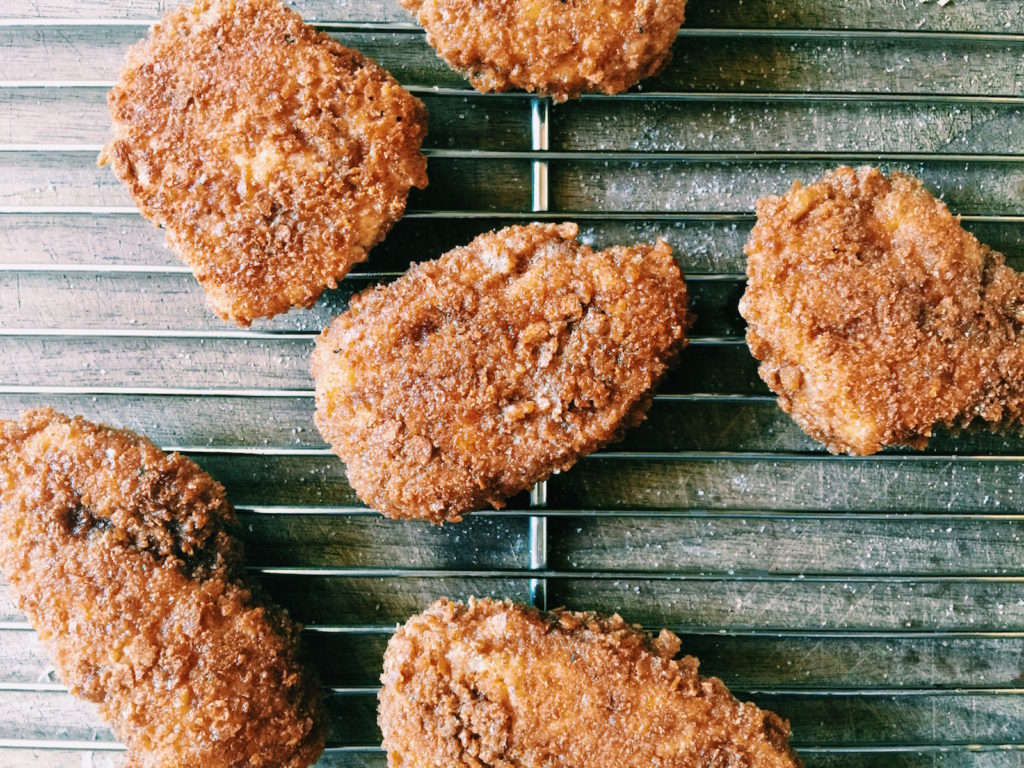 crispy + healthy-ish chicken nuggets | displacedhousewife