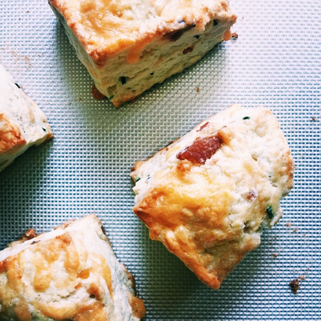bacon + cheddar + chive petite scones | DisplacedHousewife