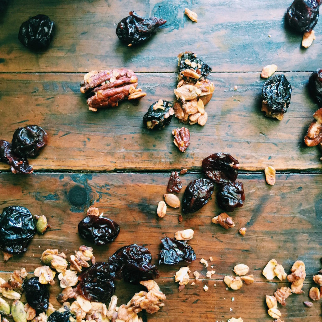 cherry + almond autumn granola | DisplacedHousewife