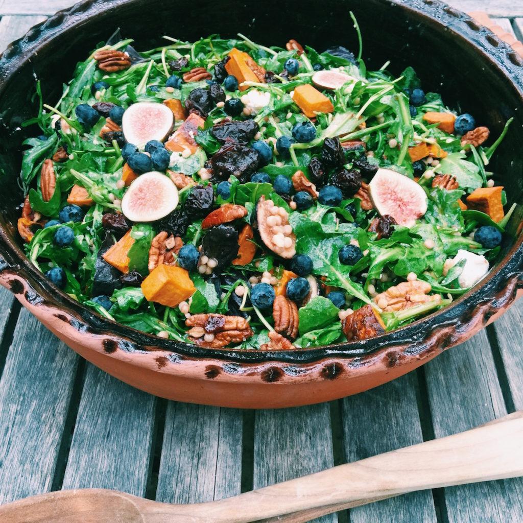 fresh fig + toasted pecan salad | DisplacedHousewife