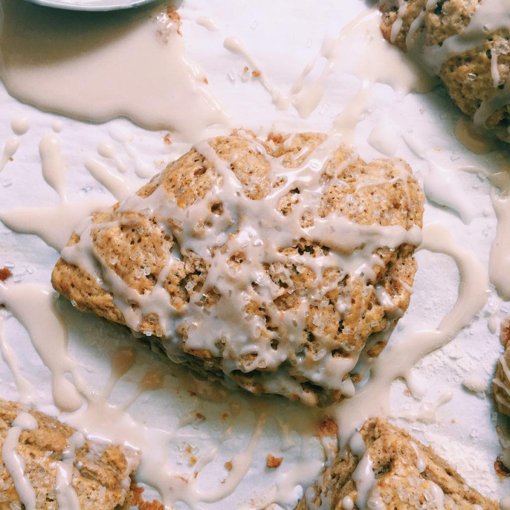 petite spiced pumpkin scones + anise schmooey