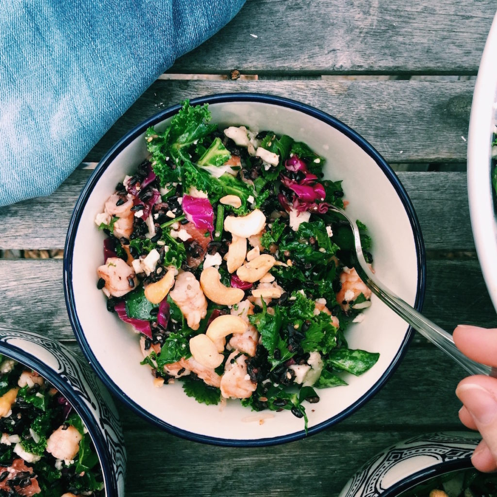 Black Rice, Sesame + Shrimp Detox Chopped Salad   displacedhousewife