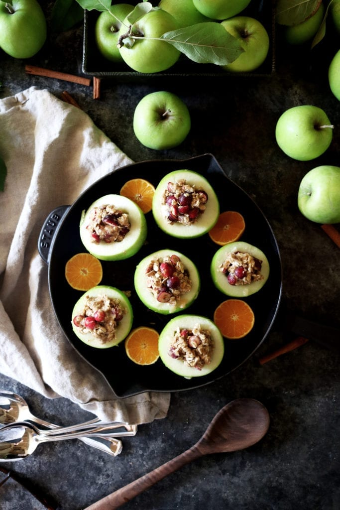 Cranberry Pecan Baked Apples   Recipe via DisplacedHousewife   cinnamon, tangerine zest, oatmeal, brown sugar, cranberries + pecans. Ready in under an hour! The perfect dessert. YUM!