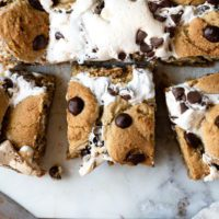 A close up of a s'mores cookie bar